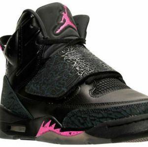 Air Jordan Son of Mars Sneakers